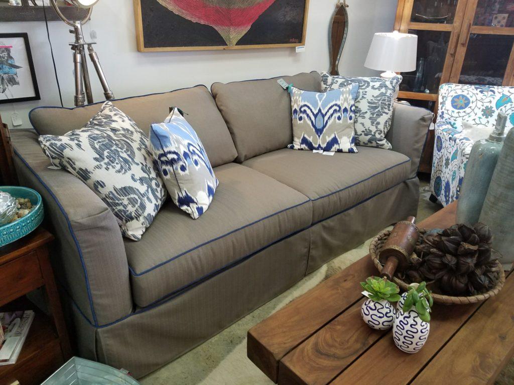darby sofa_1599_h230-000